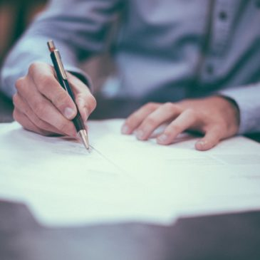 How to write terms and conditions for your business in 5 easy steps